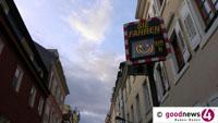 Günter Seifermanns sanfter Weg gefällt auch Bürgermeister Michael Geggus - Nun auch in Baden-Oos: Smileys anstelle von Bußgeld - 681 Überschreitungen geahndet in der Kuppenheimer Straße
