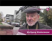 Wolfgang Niedermeyer wartet auf Antworten aus dem Rathaus
