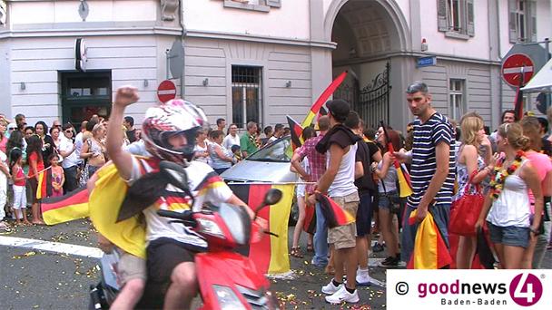 """Polizei mahnt vor gefährlicher WM-Begeisterung - Sorge wegen """"Alkoholexzessen"""" - """"Nicht aus dem Autodach- oder Seitenfenster lehnen, nicht auf Motorhauben oder Fahrzeugdächer setzen"""""""